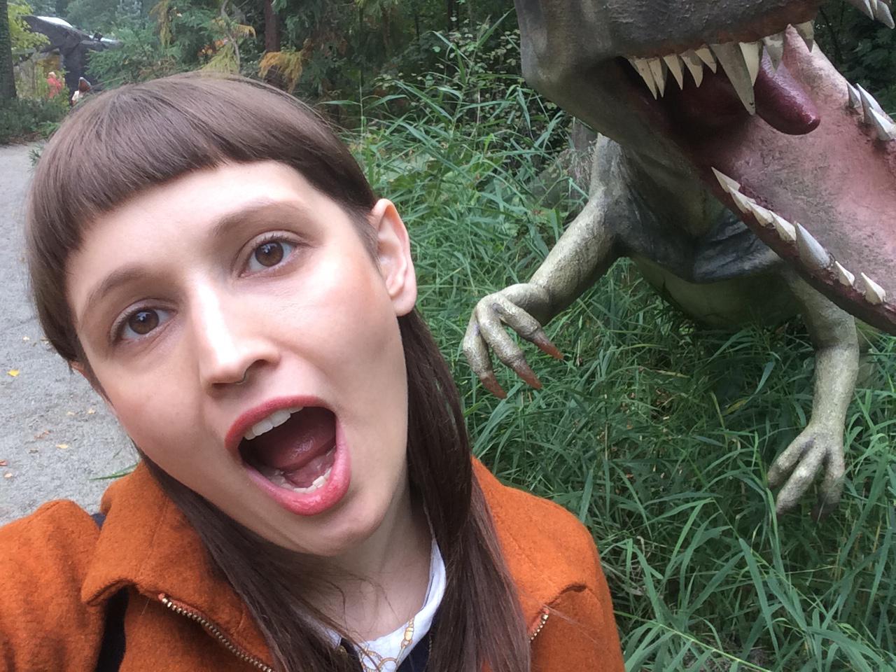 Selfie_Dino_Girl_Natalie_sdsucht