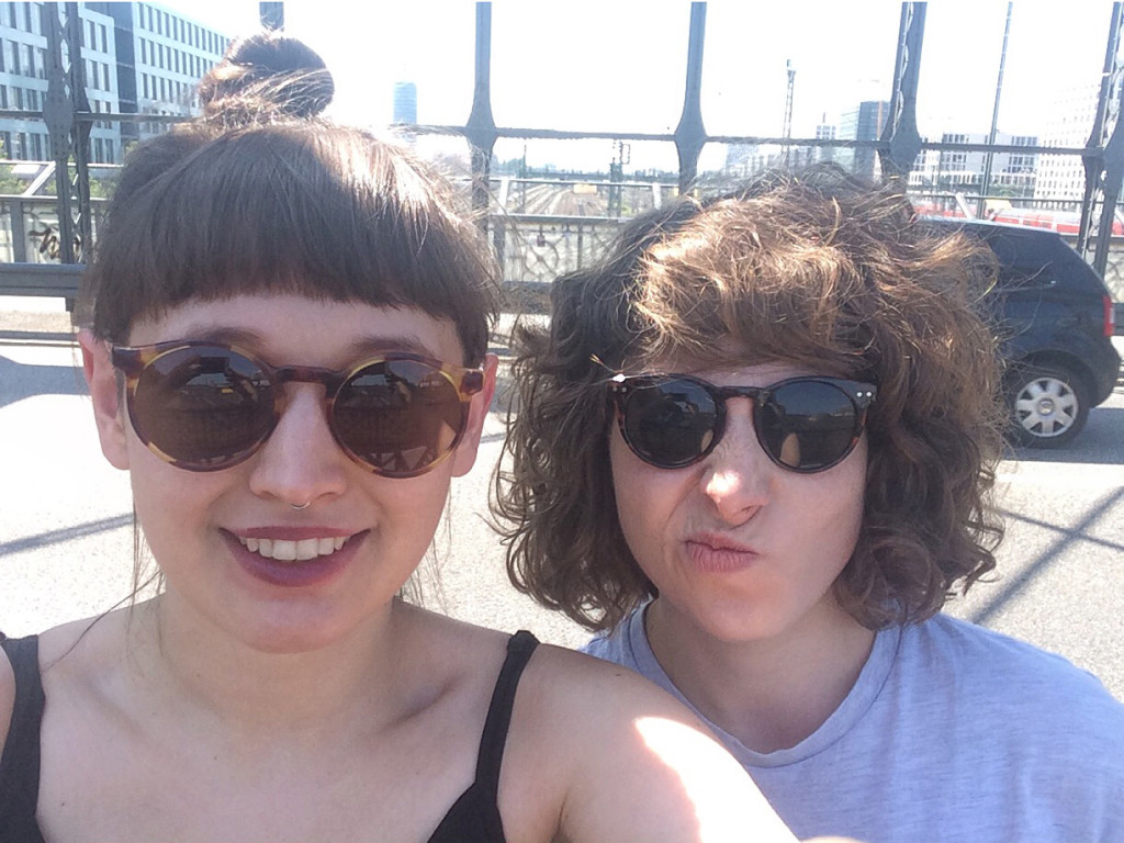 Selfie_Lisa_Natalie_SDSUCHT_2015