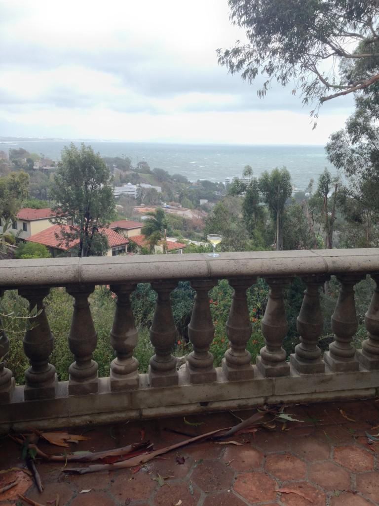 Champagner auf dem Balkon nach dem Sturm