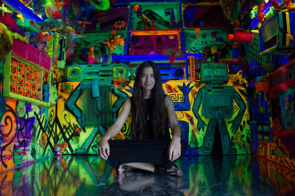 Veronika in der Arbeit von Kenny Scharf