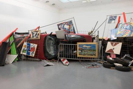 Ahmet Öğüt | Bakunins Barrikade im Museum Ludwig
